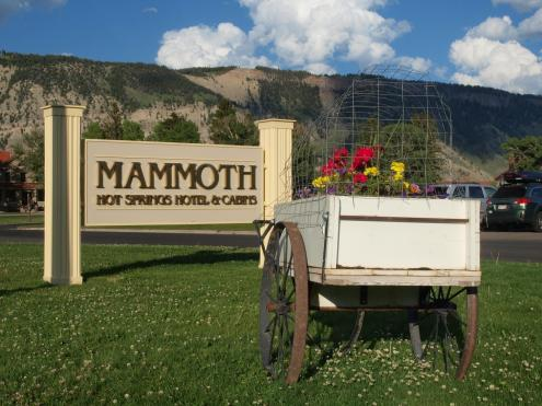 mammoth hotel and cabins - lodging in this region - gardiner, mt